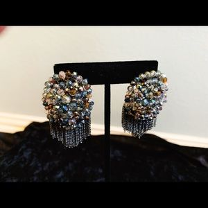 Jewelry - Gray multicolored beaded tops